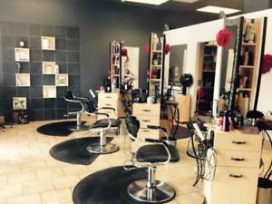 Chairs for rent in Laval