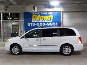 2013 Chrysler Town & Country LIMITED **LOADED AND MINT**