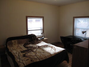 Furnished bedroom for couple in Banff, $845/mo,Available May 1st
