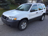 2006 Ford Escape XLS SUV - LOW KMS