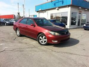 2005 Toyota Camry SE MAGS / AC / GROUPE ELECTRIQUE / BAS KM !!