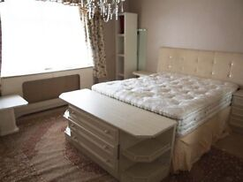 LARGE ROOM WITH LARGE GARDEN. ONLY £600pm INCLUDING BILLS AND INTERNET!