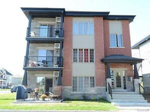 Grand Condo 1320 PC de construction recente a louer a St-Remi
