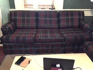 3 piece leaving room set. Couch, love seat, and a chair.