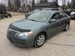 2009 Toyota Camry LE 4 cyl leather interior sunroof!