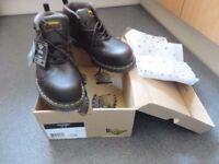 Dr Marten Boot brown color size 9