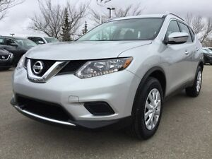2016 Nissan Rogue S AWD Accident Free,  Back-up Cam,  Bluetooth,