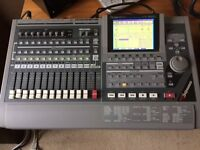 Roland VS 1680 Digital Recorder with Flightcase
