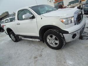 2009 Toyota Tundra 4X4 5.7 V8 Pickup Truck NO ACCIDENTS WE FINAN