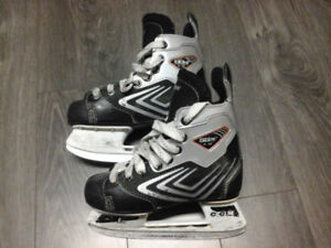 Patins de hockey CCM pour enfant (junior)