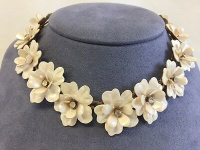 VINTAGE LIGHT PLASTIC LAYERED CREAM COLORED RHINESTONE FLOWERED NECKLACE CHOKER