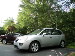 Great deal!  122000km.rondo.  Leather.  Heated seats