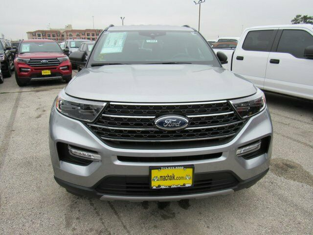 Owner 2020 Ford Explorer XLT 1246 Miles Iconic Silver Metallic Sport Utility Intercool