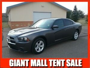 2013 Dodge Charger SE LOW KMS!!