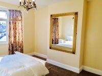 Large Bright double Room in Isleworth,Short walk to SKY,Easy access to chiswick & Heathrow