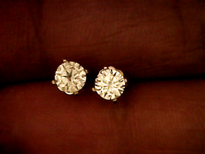 The Perfect Gift Stunning 14k Gold Pair of 0.74ct Diamond Earring