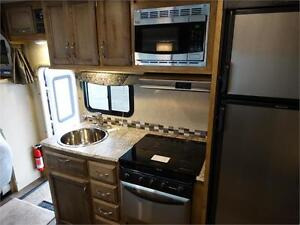 24 foot Class C Motorhome with Slideout and Luxury Package! Kitchener / Waterloo Kitchener Area image 8
