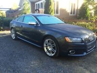 2010 Audi S5 Coupe (2 door)