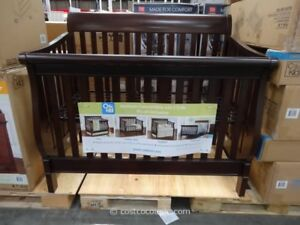 Convertible 4-in-1 Crib bed and Dresser