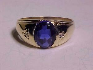 #3122-10K YELLOW GOLD MAN`S RING BLUE TOPAZ Size 11 1/4-will accept EBANK TRANSFER PAYMENT ONLY -FREE SHIPPING