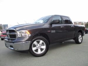 "2017 RAM 1500 SLT (ONLY 12800 KMS, HEMI, 20"" ALLOYS, BLUETOOTH,"