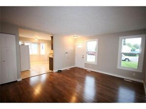 Renovated 3 Bedroom House w Garage in Millwoods-Avail now