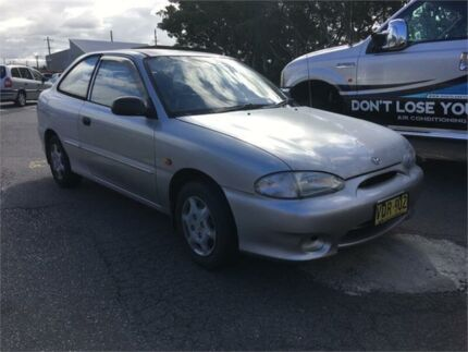 1998 Hyundai Excel X3 Sprint 5 Speed Manual Hatchback Hamilton North Newcastle Area Preview
