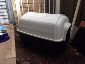 DOG KENNEL Sm-Med EXC COND. Allenby Gardens Charles Sturt Area Preview