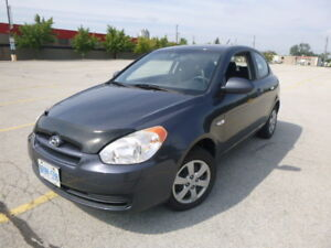 2009 Hyundai Accent -- 103,000 kms. -- $3500