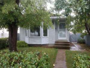 4 Level Split Home in Lago Lindo NW - Available Oct 1st