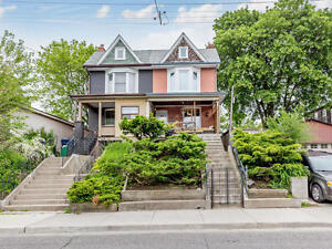 Leslieville - Main/Lower 2 bdrm, 1.5 bath, Utilities Included