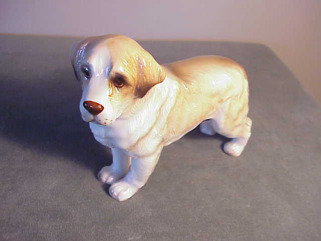 VINTAGE HIGH-GLOSS HAND-PAINTED PORCELAIN STANDING ST BERNARD DOG FIGURINE