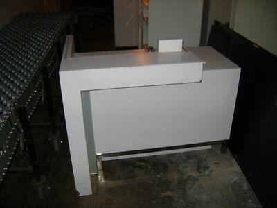 Kiosk Retail Counter White Modern Register Counter 7902 48 X 32 X 36