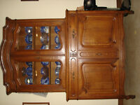 CHINA CABINET/BUFFET WITH UPPER GLASS FRONT DISPLAY