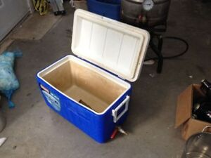 Mash tun for brewing beer