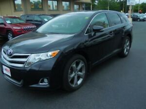 2014 TOYOTA VENZA AWD- SUNROOF, REAR VIEW CAMERA, LEATHER HEATED
