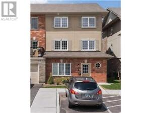 #10 -57 FERNDALE DR Barrie, Ontario