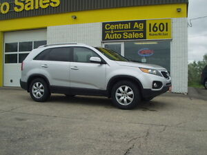 "2013 Kia Sorento "" LX "" AWD  $11987 + TAXES   Ph. 204-339-1585"
