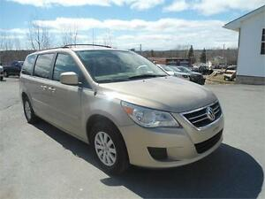 2009 VW ROUTAN TRENDLINE  VAN LOADED JUST INSPECTED LIKE NEW!