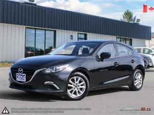 2014 Mazda Mazda3 GS-SKY,REARVIEW CAM,B.TOOTH,HEATED SEATS