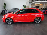 Audi RS3 *Panorama/ magnetic ride/Vmax 280/Distronic*