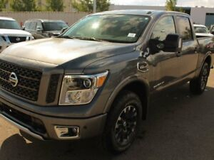 2018 Nissan Titan PRO-4X 4x4 Crew Cab 5.6 ft. box 139.8 in. WB