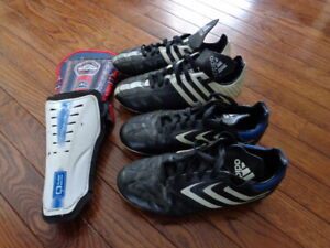 ADIDAS SOCCER CLEATS SIZE 4