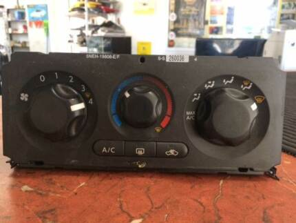 NAVARA STX 2007 A/C FAN PANEL SWITCH