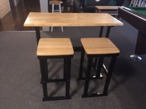 PUB TABLE & 2 CHAIRS