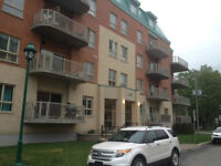 Grand Condo Luxueux-Laval-Fabreville-3 1/2-Interieur Parking