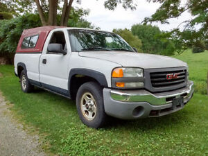 2003 GMC Sierra  25,000KM on new motor