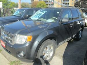 2009 Ford Escape XLT- 4WD!