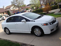 Georgeous 2009 Honda Civic Hybrid +Winter Tires Included