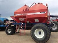 2002 Morris 7300 Air Tank/Seeder -- GREAT CONDITION!